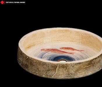 Balık resimli porselen lavabo
