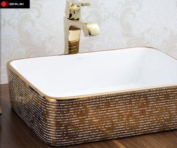 Altın renkli lavabo